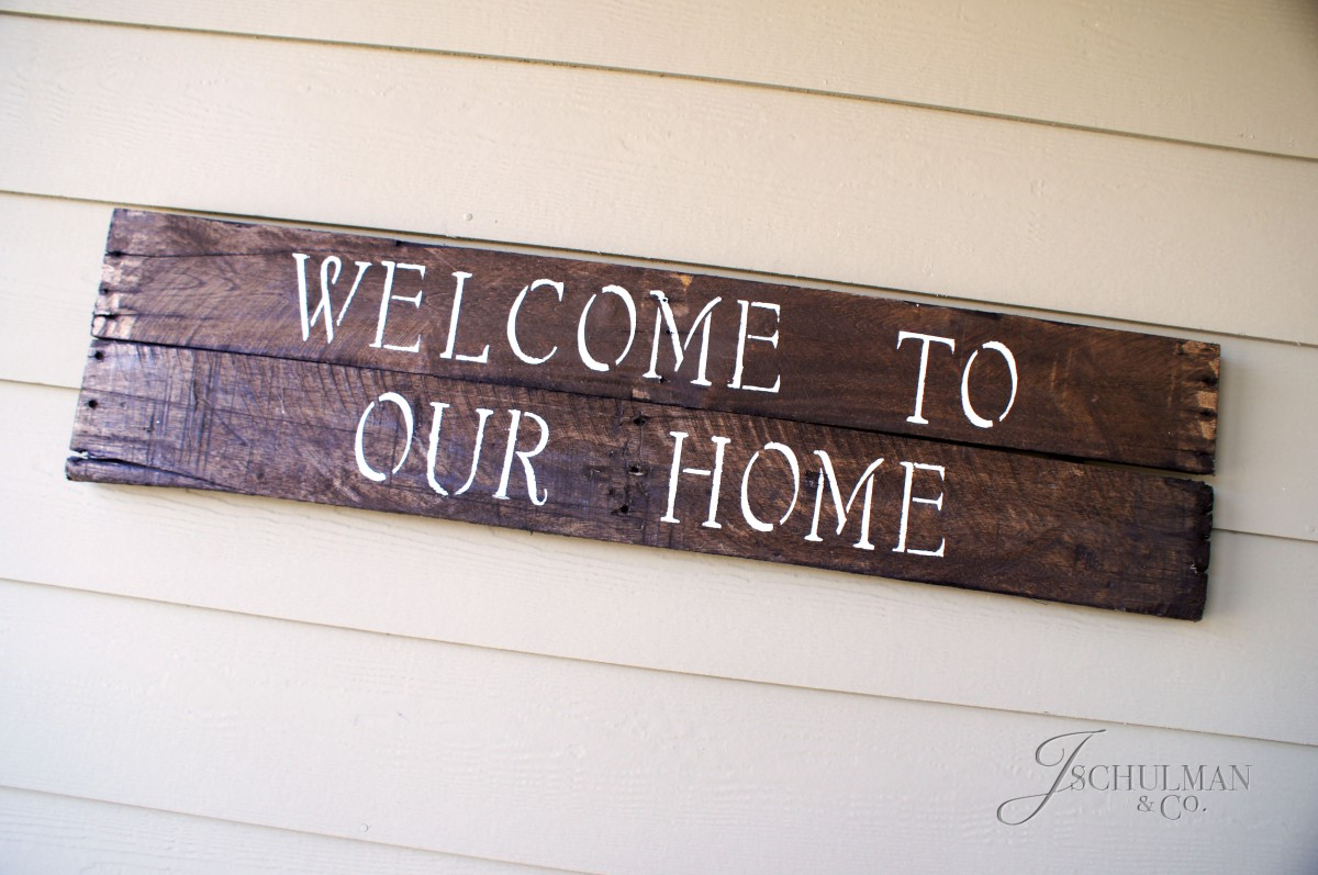DIY: EASY Pallet Wood Sign